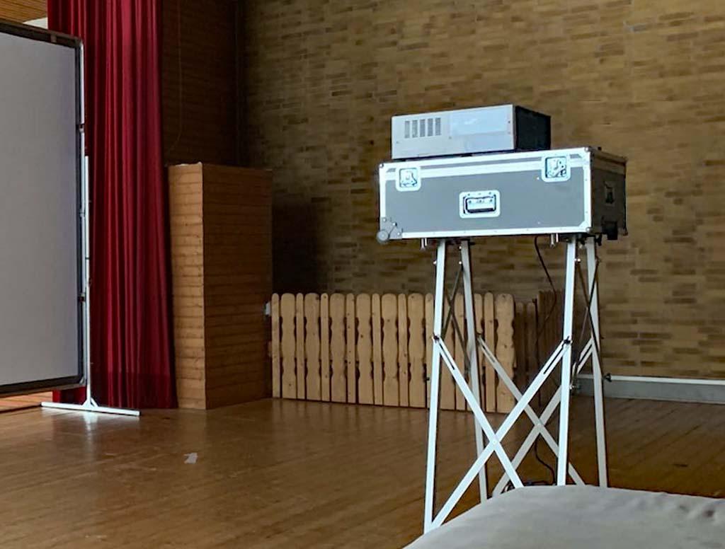 Beamer-Koffer WUX7000z als Beamer-Ständer (Trolly) Ausstellungsstück,